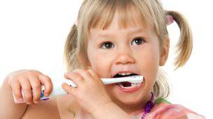 נכון, לא קל לריב עם הילד על צחצוח שיניים אבל עוד פחות נעים להגיע איתו לטיפולי שיניים. אגוד רופאי השיניים לילדים בשיתוף לייף דנטל, מסבירים כיצד הזנחה של שיני חלב עלולה לגרום לנזק קבוע